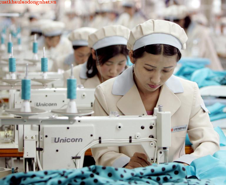 north_korea_garment_factory